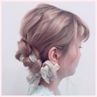 ヘアアレンジ ヘアアクセ ロング 三つ編み ヘアスタイルや髪型の写真・画像