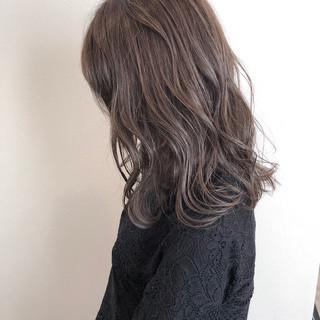 セミロング 透明感 ヘアアレンジ 大人かわいい ヘアスタイルや髪型の写真・画像