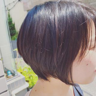 脱縮毛矯正 ショート ナチュラル ストレート ヘアスタイルや髪型の写真・画像