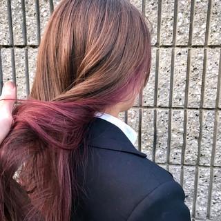 フェミニン 透明感カラー インナーカラー ロング ヘアスタイルや髪型の写真・画像