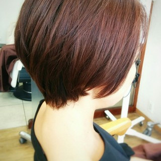 フェミニン ストレート 暗髪 ナチュラル ヘアスタイルや髪型の写真・画像