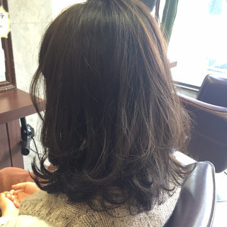 アッシュ ブラウン カーキアッシュ 暗髪 ヘアスタイルや髪型の写真・画像