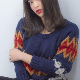 ハイライト ミディアム グラデーションカラー 黒髪 ヘアスタイルや髪型の写真・画像