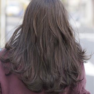 グレージュ ナチュラル アッシュグレージュ アッシュ ヘアスタイルや髪型の写真・画像