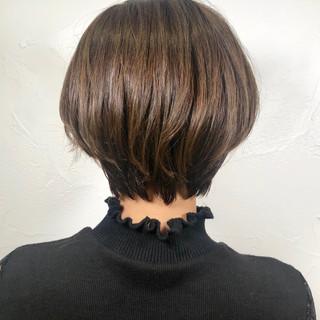 ショートボブ ショートヘア イルミナカラー ナチュラル ヘアスタイルや髪型の写真・画像