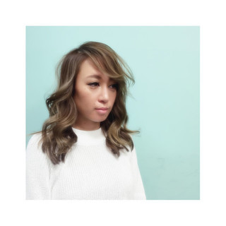 セミロング 外国人風 アッシュ ハイライト ヘアスタイルや髪型の写真・画像