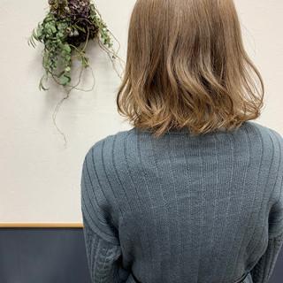 ミルクティーベージュ ヌーディーベージュ ベージュ ナチュラルベージュ ヘアスタイルや髪型の写真・画像