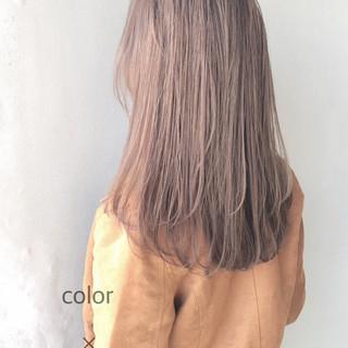 セミロング ナチュラル ツヤ髪 デート ヘアスタイルや髪型の写真・画像