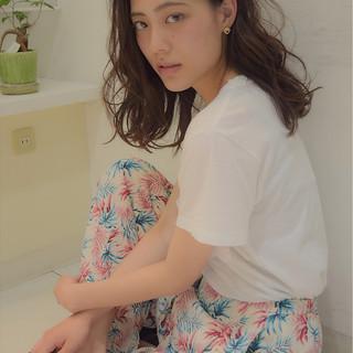 外国人風 ゆるふわ ウェーブ フェミニン ヘアスタイルや髪型の写真・画像