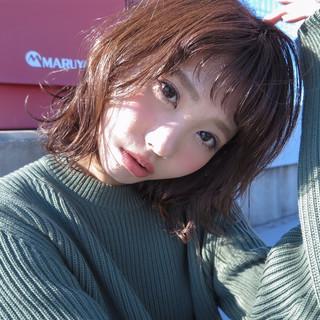 外国人風 ショートバング ナチュラル ウェットヘア ヘアスタイルや髪型の写真・画像