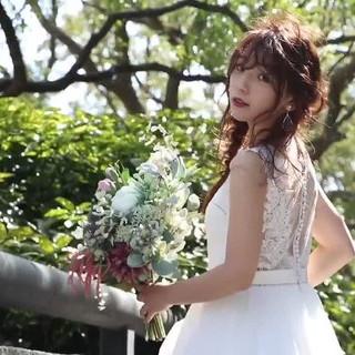 結婚式ヘアアレンジ アッシュグレージュ フェミニン 簡単ヘアアレンジ ヘアスタイルや髪型の写真・画像