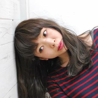 アッシュ ヘアメイク 外国人風カラー ロング ヘアスタイルや髪型の写真・画像