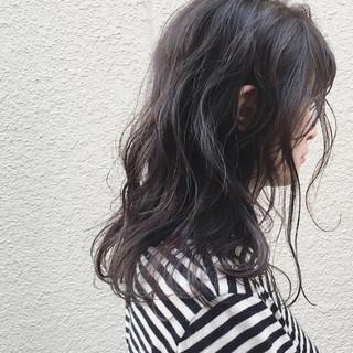 ミディアム ロブ フリンジバング アッシュ ヘアスタイルや髪型の写真・画像