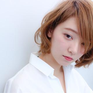 外国人風 ナチュラル 大人かわいい 前髪あり ヘアスタイルや髪型の写真・画像