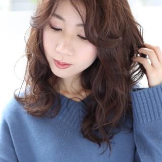 アンニュイほつれヘア ナチュラル セミロング 透明感カラー ヘアスタイルや髪型の写真・画像