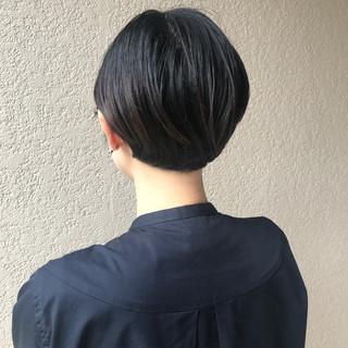 ミニボブ 前髪あり 前髪パッツン ナチュラル ヘアスタイルや髪型の写真・画像