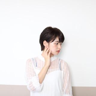 ショートボブ オフィス ナチュラル 暗髪 ヘアスタイルや髪型の写真・画像