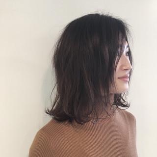 暗髪 外ハネ ゆるふわ ナチュラル ヘアスタイルや髪型の写真・画像