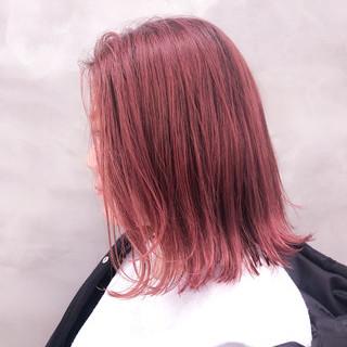 パールピンク 切りっぱなしボブ 大人カジュアル 切りっぱなし ヘアスタイルや髪型の写真・画像