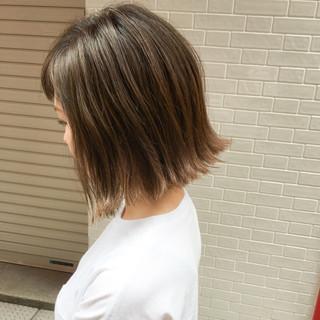 ウェットヘア 切りっぱなし ボブ 外国人風 ヘアスタイルや髪型の写真・画像 ヘアスタイルや髪型の写真・画像