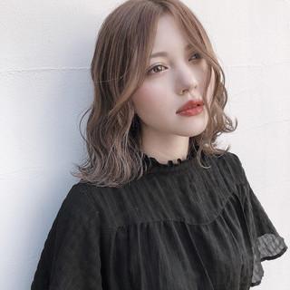 ミルクティーベージュ ハイトーンカラー ピンクベージュ ナチュラル ヘアスタイルや髪型の写真・画像