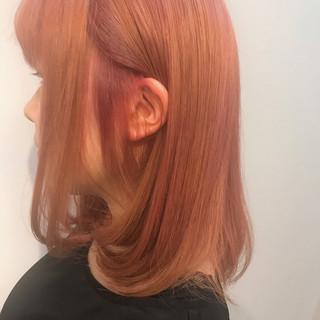ピンクブラウン ブリーチ ミディアム ガーリー ヘアスタイルや髪型の写真・画像