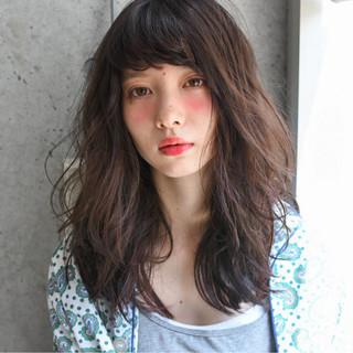 ゆるふわ セミロング 外国人風 ストリート ヘアスタイルや髪型の写真・画像