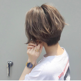 ベリーショート ショートヘア ハイトーンカラー ナチュラル ヘアスタイルや髪型の写真・画像