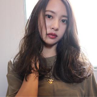 大人女子 ロング ハイライト 小顔 ヘアスタイルや髪型の写真・画像