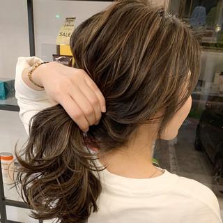 エクステ コントラストハイライト セミロング ストリート ヘアスタイルや髪型の写真・画像