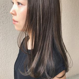 トリートメント ナチュラル オリーブカラー ロングヘア ヘアスタイルや髪型の写真・画像