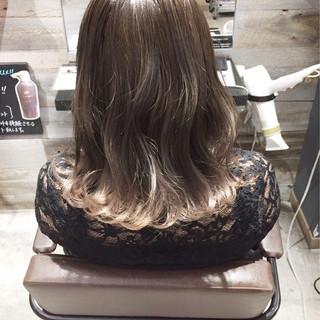 ウェーブ セミロング ハイライト ストリート ヘアスタイルや髪型の写真・画像 ヘアスタイルや髪型の写真・画像