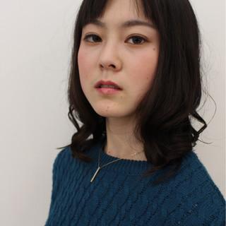 ニュアンス モード セミロング 暗髪 ヘアスタイルや髪型の写真・画像