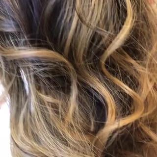 エレガント ロング ブロンド ブリーチオンカラー ヘアスタイルや髪型の写真・画像