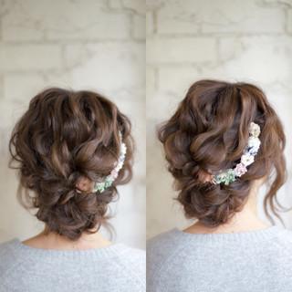 ヘアアレンジ セミロング 花嫁 大人かわいい ヘアスタイルや髪型の写真・画像
