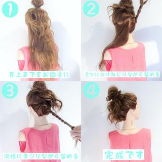 お団子 簡単ヘアアレンジ フェミニン ヘアアレンジ ヘアスタイルや髪型の写真・画像