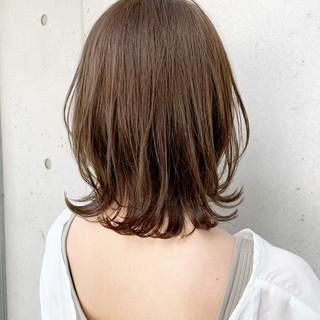 ミディアム 鎖骨ミディアム ウルフカット ワンカールパーマ ヘアスタイルや髪型の写真・画像