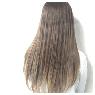 ロング 暗髪 グラデーションカラー ハイライト ヘアスタイルや髪型の写真・画像 ヘアスタイルや髪型の写真・画像