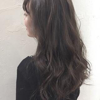 ミルクティー ナチュラル ハイトーン セミロング ヘアスタイルや髪型の写真・画像