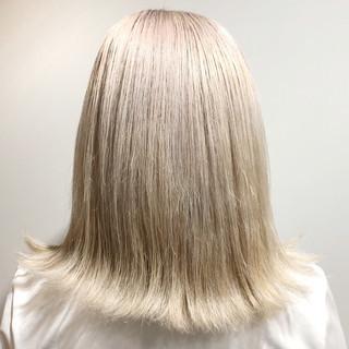 フェミニン ホワイトブリーチ ホワイトカラー 外国人風カラー ヘアスタイルや髪型の写真・画像