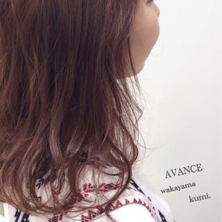 ハイライト ピンク イルミナカラー ガーリー ヘアスタイルや髪型の写真・画像