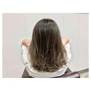 外国人風 デート ナチュラル ハイライト ヘアスタイルや髪型の写真・画像
