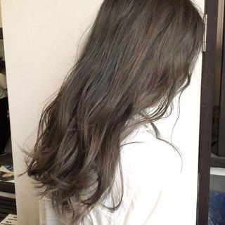 暗髪 ロング アッシュグレージュ 外国人風 ヘアスタイルや髪型の写真・画像