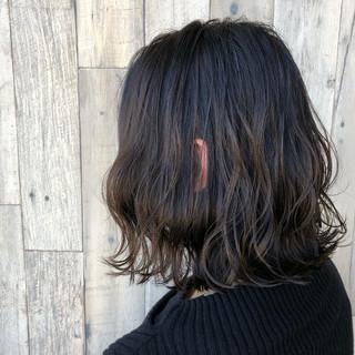 波ウェーブ ナチュラル 外ハネ イルミナカラー ヘアスタイルや髪型の写真・画像
