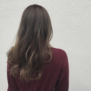 デート アッシュ 透明感 ハイライト ヘアスタイルや髪型の写真・画像