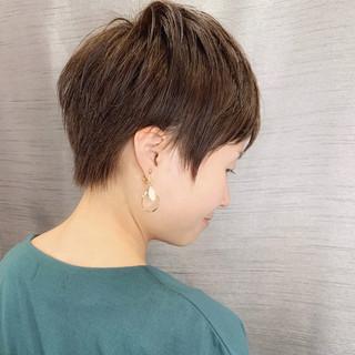 ショートヘア 前下がりショート 小顔ショート ショート ヘアスタイルや髪型の写真・画像