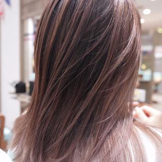 グラデーションカラー ハイトーン ナチュラル ハイライト ヘアスタイルや髪型の写真・画像