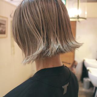 ミニボブ シナモンベージュ グレージュ ミルクティーベージュ ヘアスタイルや髪型の写真・画像