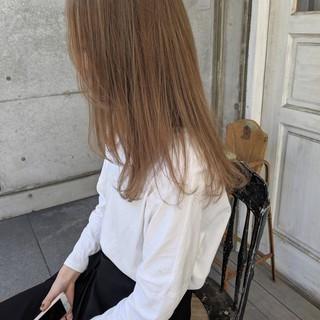 ハイライト オリーブベージュ ナチュラル ミルクティーベージュ ヘアスタイルや髪型の写真・画像