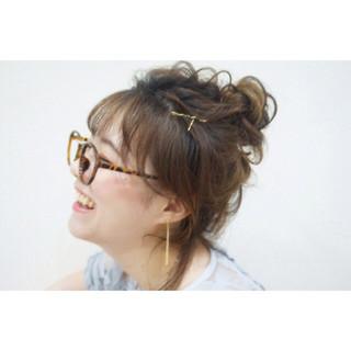 メッシーバン ミディアム ショート 簡単ヘアアレンジ ヘアスタイルや髪型の写真・画像